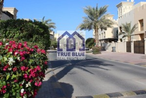BEST DEAL: UPGRADED 3 BEDROOM TOWN HOUSE IN PRIME LOCATION