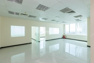 Grate promotional Offer fully fitted with partition office