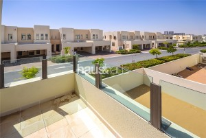 Close to pool and park   Fantastic Location