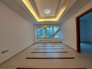 Living Excellence...!! Cozy & Clean 1 Bedroom + Parking in Al Khalidiya