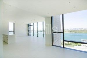 2 Bedroom + Study With a Stunning Sea and Mangroves View